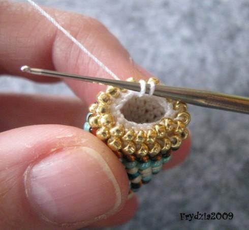 вяжем жгут из бисера столбиком мастер класс вязание жгутов
